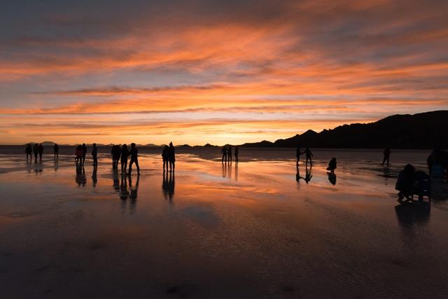 ウユニ塩湖 夕焼け 画像